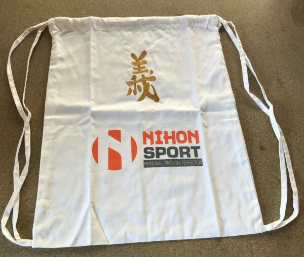 Rugzak Nihon Gi   wit met goudkleurige opdruk